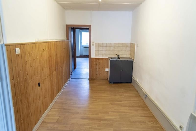 Location appartement Nantua 325€ CC - Photo 3