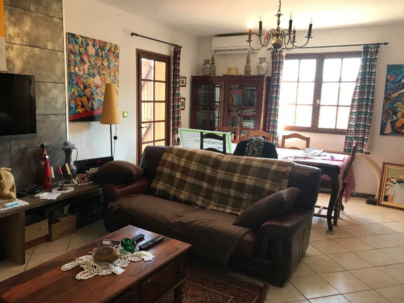 Sale house / villa Le cailar 265 600€ - Picture 2