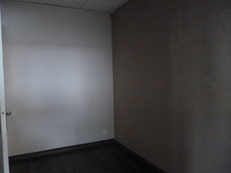 Location local commercial Horgues 650€ CC - Photo 5