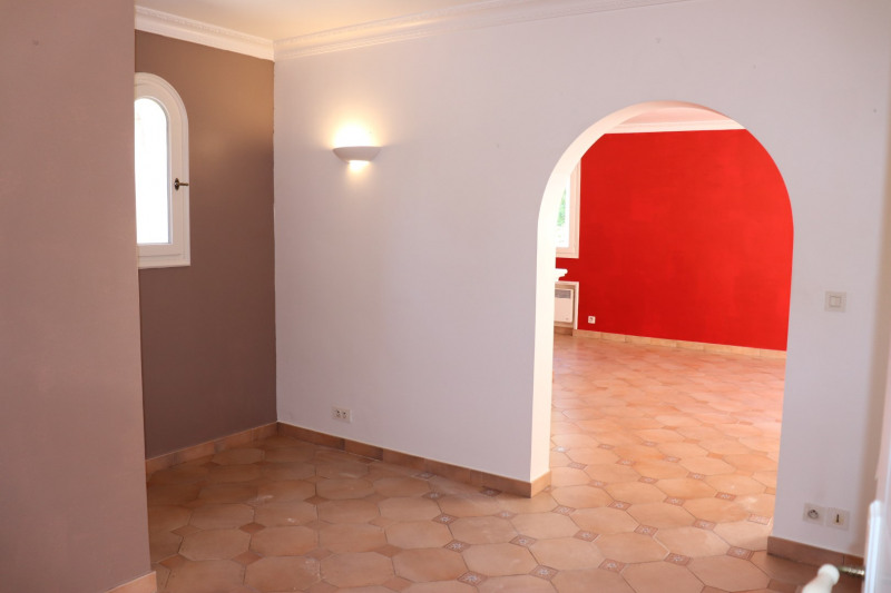 Location maison / villa Cavalaire sur mer 1 900€ CC - Photo 5