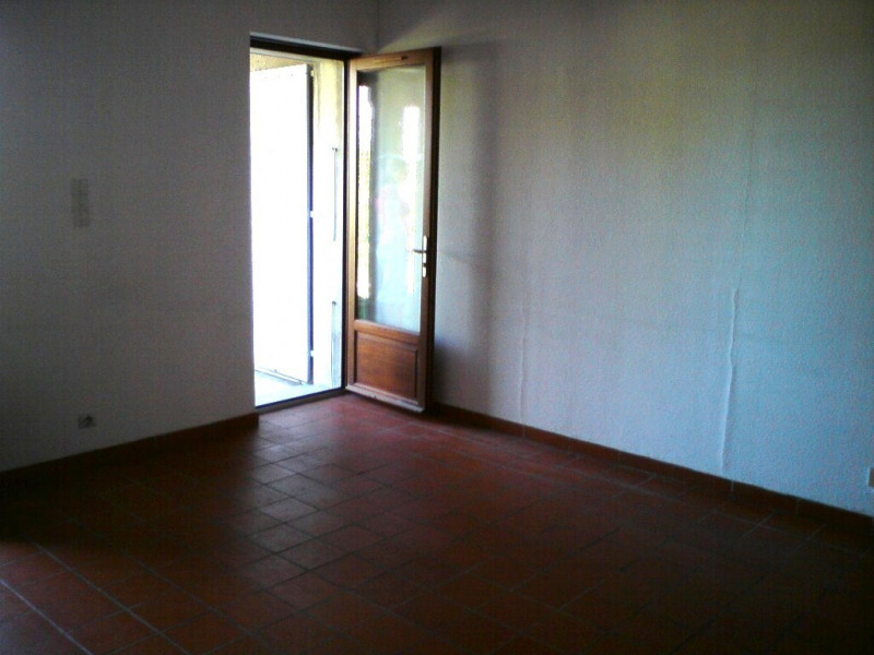 Location appartement Vallon-pont-d'arc 425€ CC - Photo 3