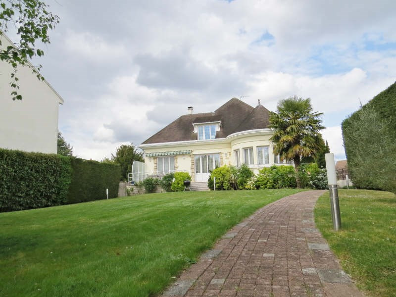 Deluxe sale house / villa Le mesnil le roi 1280000€ - Picture 2