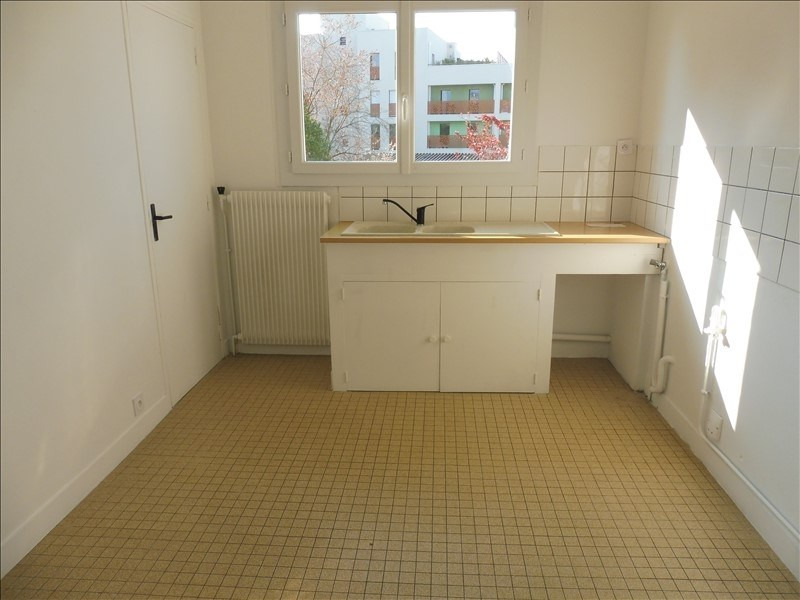 Sale apartment La roche sur yon 101600€ - Picture 2