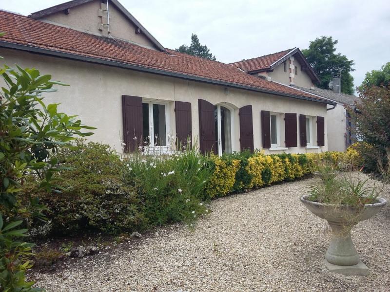 Location maison / villa Castres-gironde 820€ CC - Photo 1