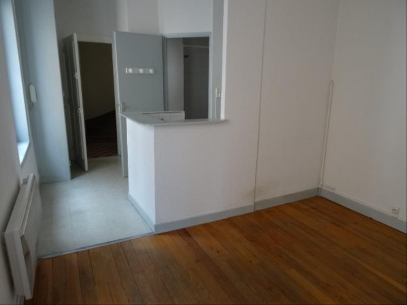 Location appartement Villefranche sur saone 342,50€ CC - Photo 2