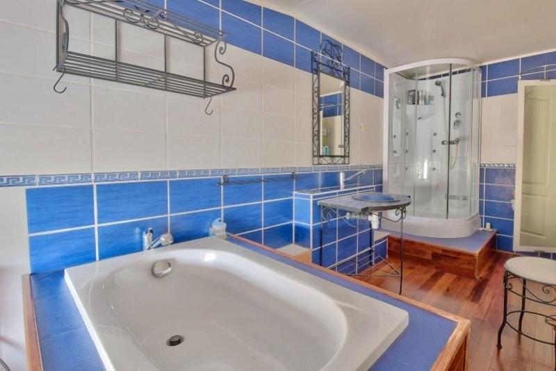 Deluxe sale house / villa Pouilly le monial 590000€ - Picture 12