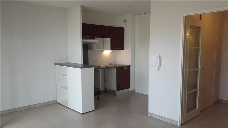 Location appartement Quint 586€ CC - Photo 2