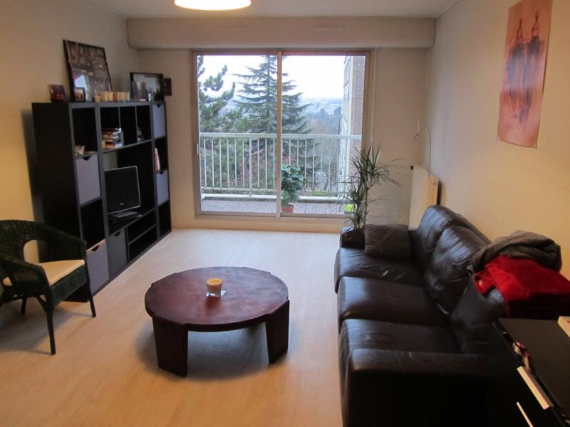 Rental apartment Bougival 1057€ CC - Picture 1