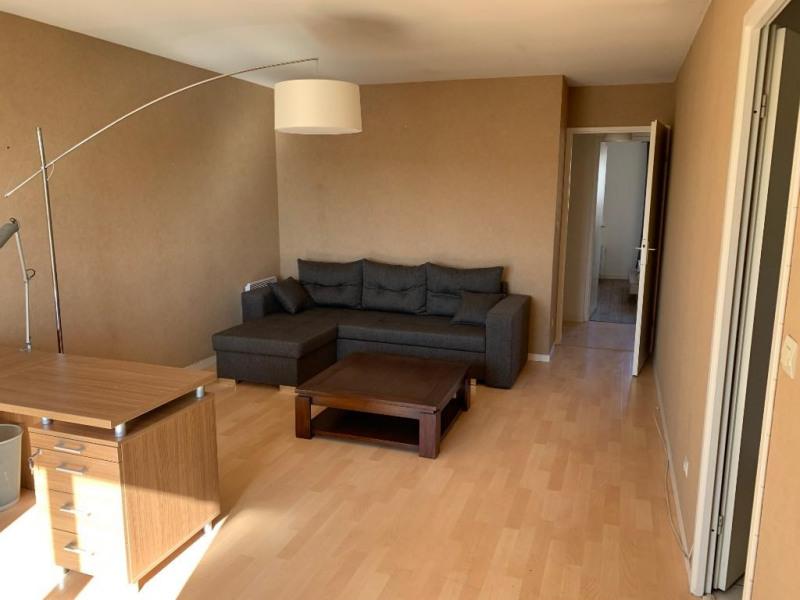 Verhuren  appartement Carrieres sous poissy 840€ CC - Foto 2