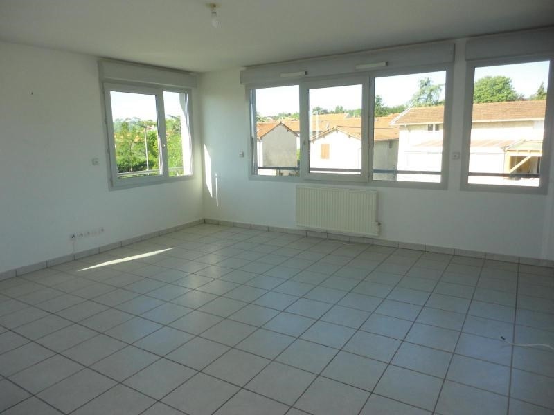 Location appartement Marcy l etoile 825€ CC - Photo 2