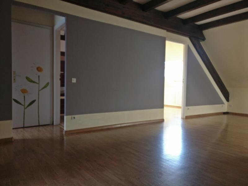 Rental apartment Strasbourg 823€ CC - Picture 2
