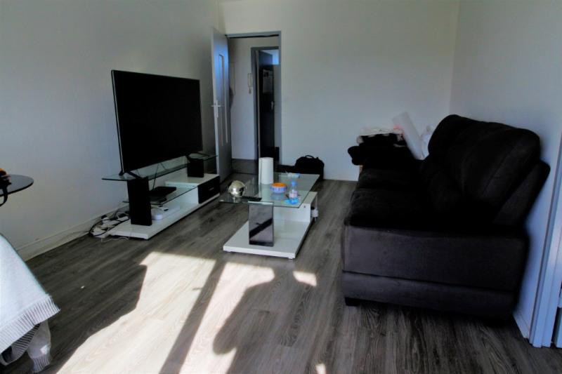 Sale apartment Pau 97300€ - Picture 3