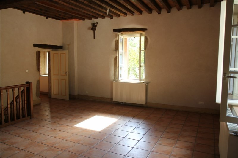 Rental apartment Assieu 800€ CC - Picture 2