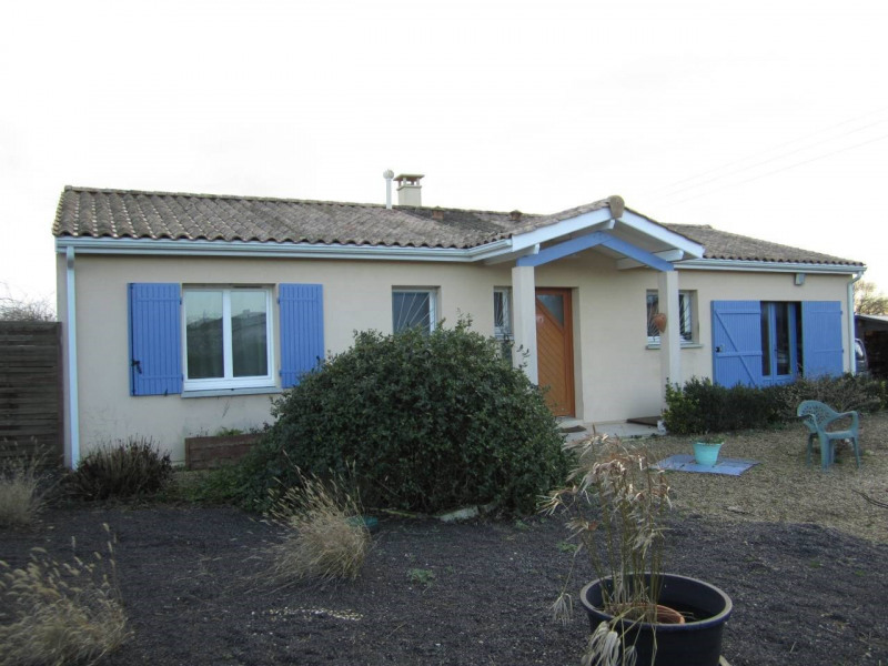 Sale house / villa Barbezieux-saint-hilaire 141 500€ - Picture 1