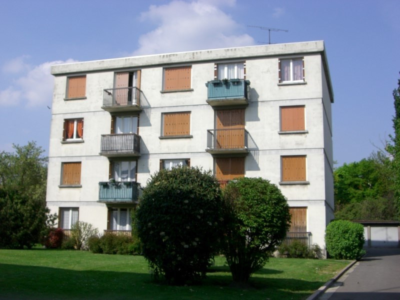 Rental apartment Gagny 870€ CC - Picture 1
