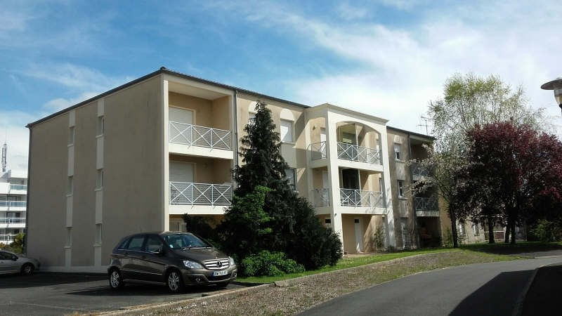 Location appartement Niort 466€ CC - Photo 1