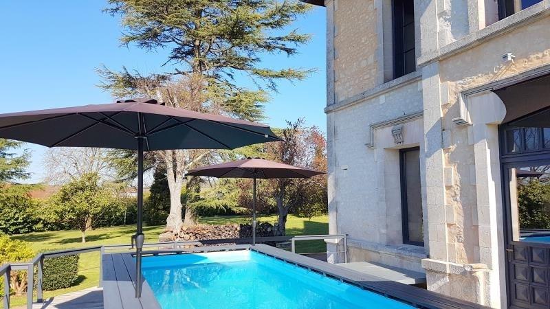 Deluxe sale house / villa Saint andré de cubzac 550000€ - Picture 2