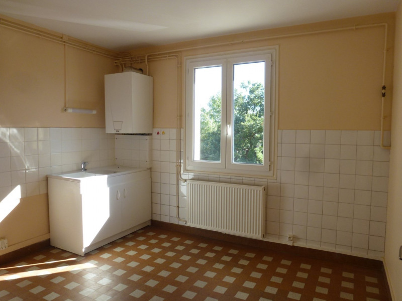 Rental apartment St uze 450€ CC - Picture 4