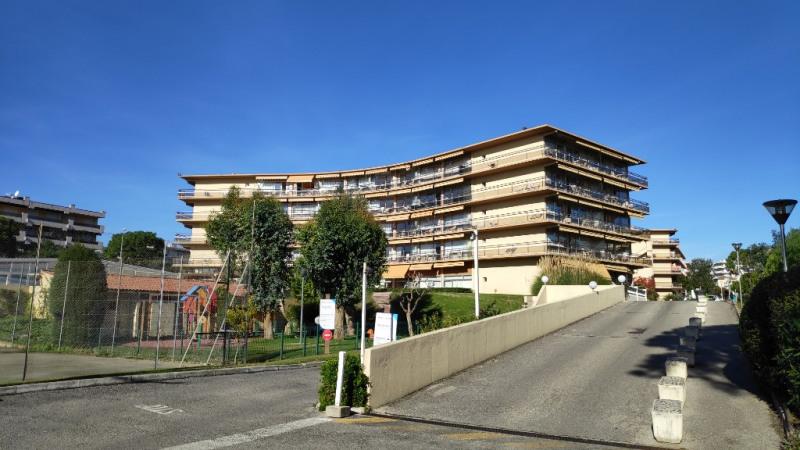 Rental apartment Saint laurent du var 790€ CC - Picture 2