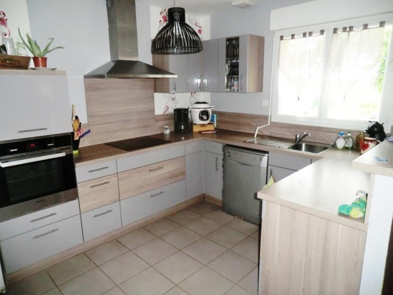 Sale house / villa Parce 145600€ - Picture 3