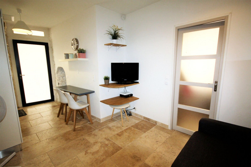 Location appartement Antibes 750€ CC - Photo 3