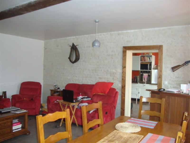 Sale house / villa Saint-jean-d'angély 152 700€ - Picture 4