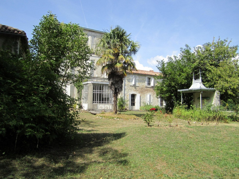 Sale house / villa Barbezieux-saint-hilaire 255 000€ - Picture 1