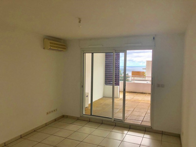 Location appartement Ste clotilde 424€ CC - Photo 5