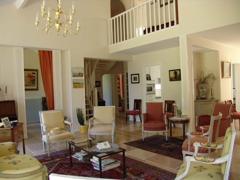 Deluxe sale house / villa St nom la breteche 910000€ - Picture 2