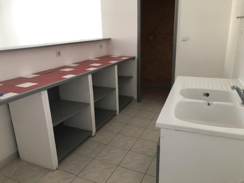 Location appartement Nimes 445€ CC - Photo 2