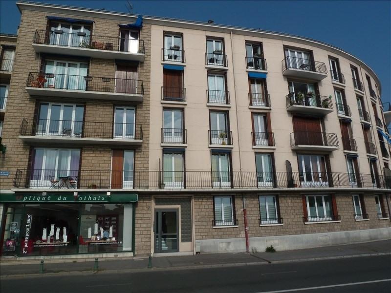 Rental apartment Pontoise 895€ CC - Picture 1