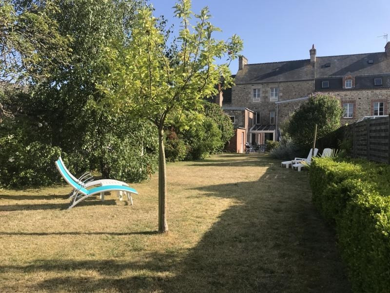 Sale house / villa St vaast la hougue 371 000€ - Picture 1