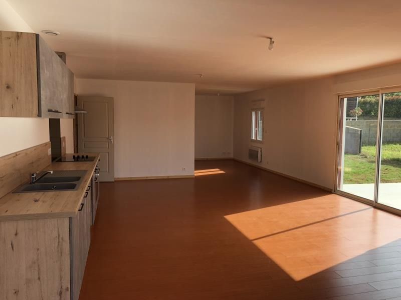 Location maison / villa Liguge 800€ CC - Photo 2