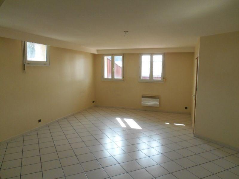 Location appartement Saint quentin 625€ CC - Photo 2
