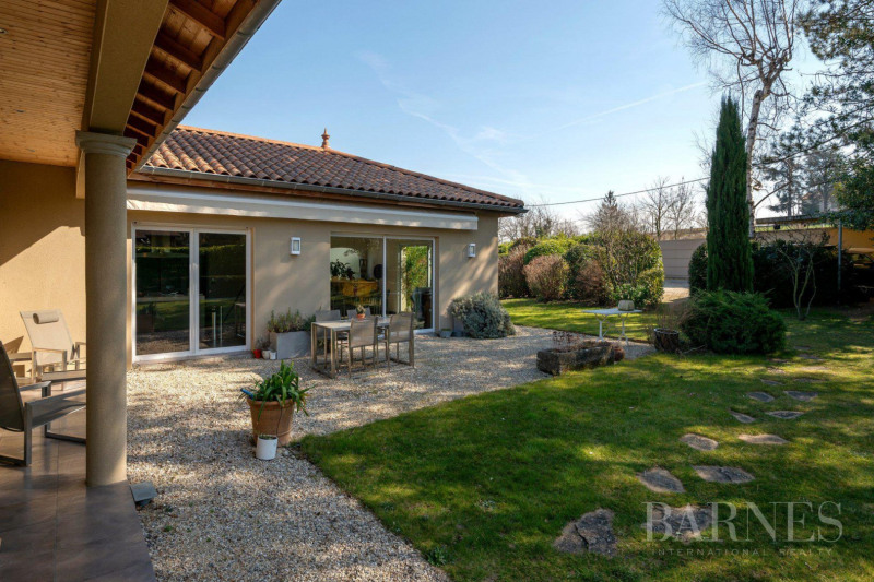 Deluxe sale house / villa Communay 849 000€ - Picture 17