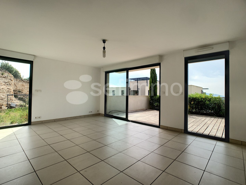 Location appartement Marseille 16ème 1 328€ CC - Photo 2