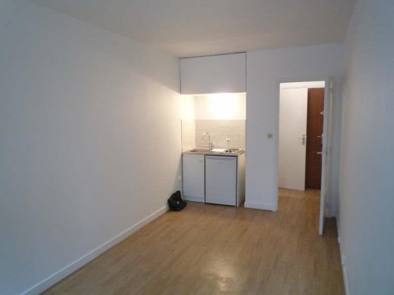 Rental apartment St cloud 611€ CC - Picture 2