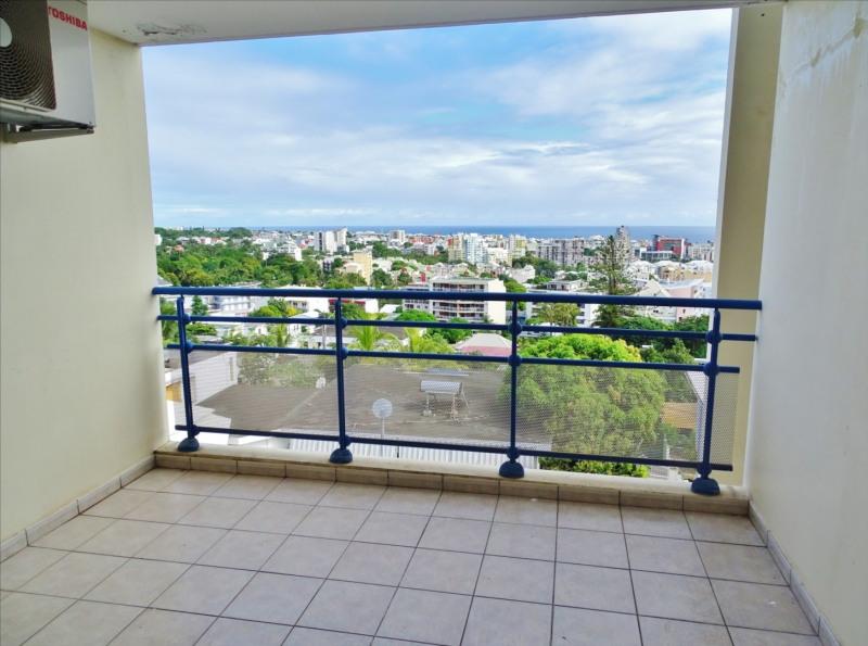 Locação apartamento Saint denis 950€ CC - Fotografia 3