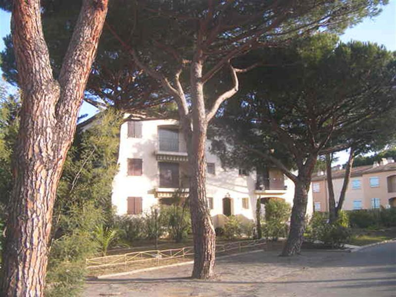 Vacation rental apartment Les issambres 490€ - Picture 6
