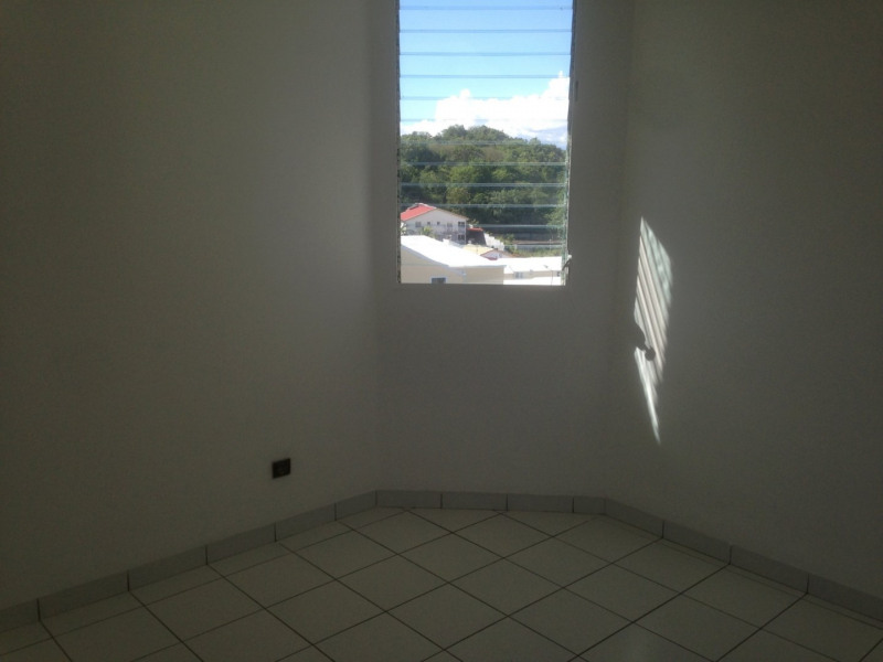 Sale apartment Ste luce 147 150€ - Picture 9