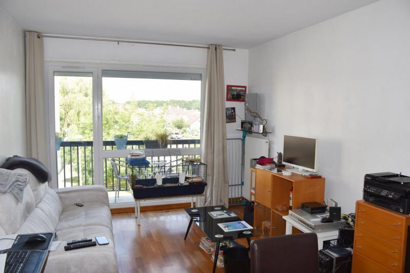 Rental apartment Maurepas 754€ CC - Picture 1