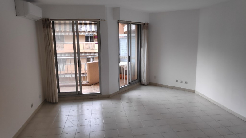 Rental apartment Cagnes sur mer 850€ CC - Picture 2