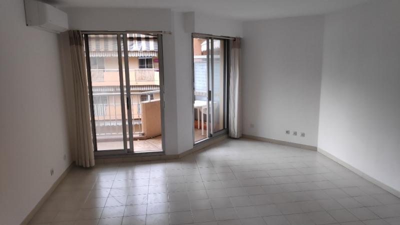 Location appartement Cagnes sur mer 850€ CC - Photo 2