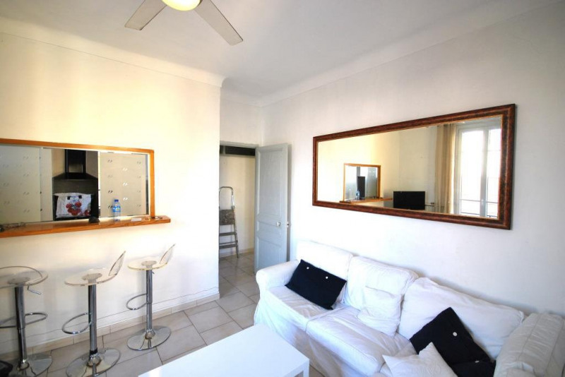 Location appartement Antibes 822€ CC - Photo 2