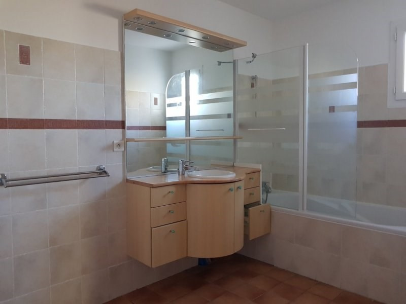 Sale house / villa Villeneuve les avignon 389000€ - Picture 9