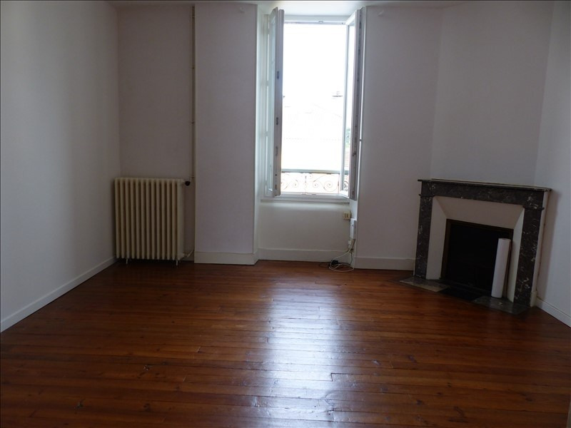 Rental apartment Pau 420€ CC - Picture 1