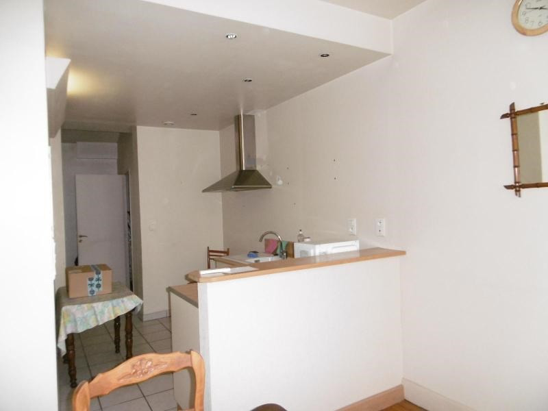 Sale apartment Vichy 82 000€ - Picture 2