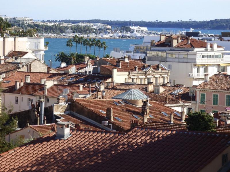 Location vacances appartement Cannes 950€ - Photo 1