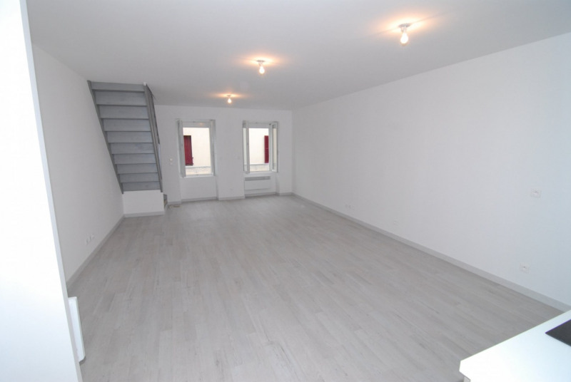 Rental apartment Montlhéry 915€ CC - Picture 1