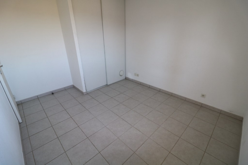 Location appartement Saint chamas 750€ CC - Photo 5
